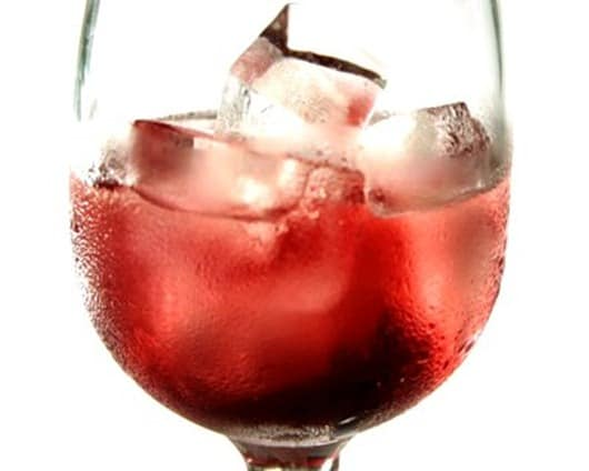 Never-Put Ice-Cubes-in-Your-Wine