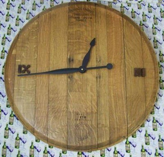 wine-barrel-Clock