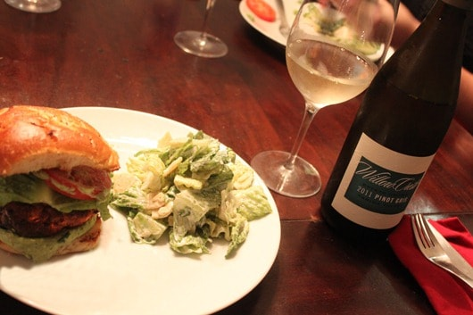 Shrimp-Burgers-with-Avocado-Aioli-Paired-with-Willow-Crest-Pinot-Gris-Washington.